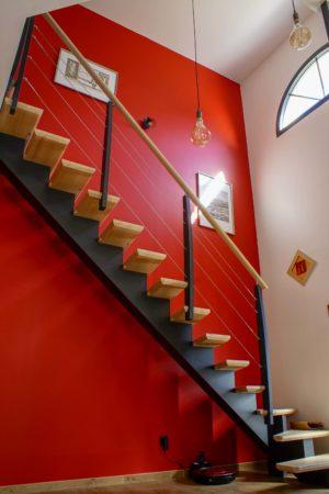 Décoration intérieur d'une entrée moderne et chaleureuse